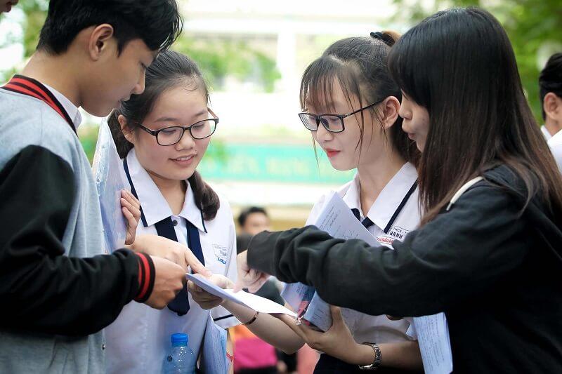 hướng nghiệp cho học sinh THPT THCS từ sớm