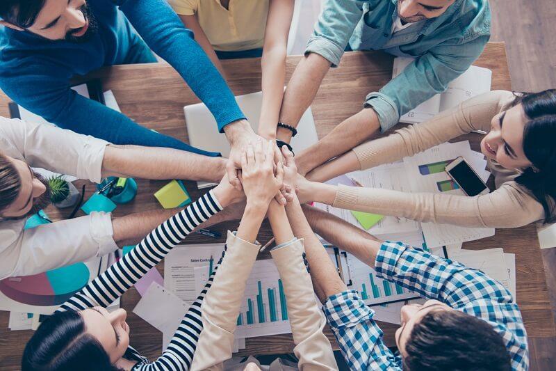 Chọn ngành khối D nhờ team building