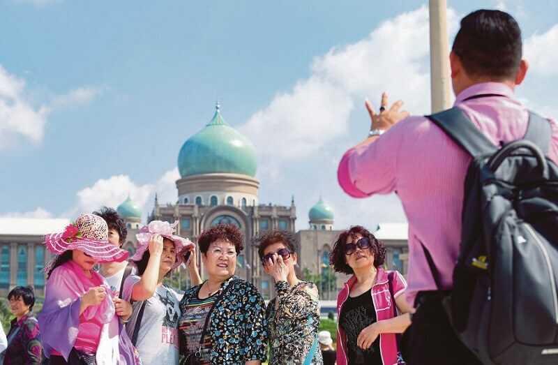 Học ban xã hội có thể làm hướng dẫn viên du lịch