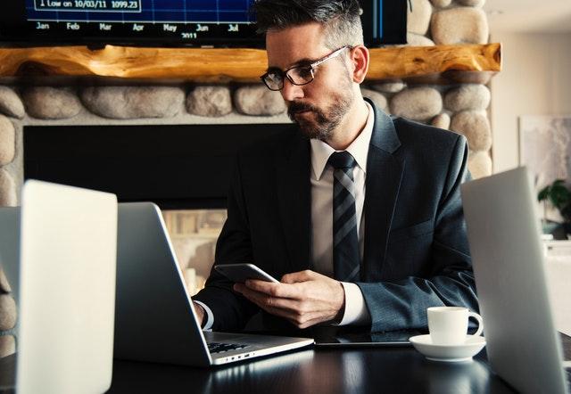 Làm Sale Executive trong ngành thương mại điện tử