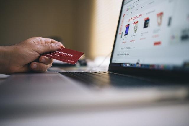 Thương mại điện tử giúp cuộc sống trở nên tiện lợi, nhanh chóng và dễ dàng hơn